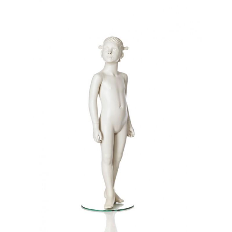 Hindsgaul stilistisk pige. Højde 110 cm